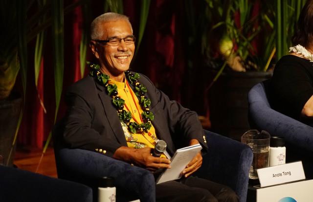 IUCN-Past-President-Kiribas-Anole-Tong-640x413.jpg